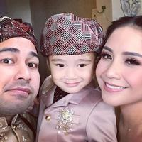 Raffi Ahmad, Nagita Slavina, dan Rafathar bergembira jelang pernikahan Syahnaz Sadiqah dan Jeje Govinda (Instagram/@raffinagita1717)