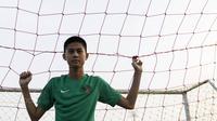 Gelandang Timnas Indonesia U-16, Rendy Juliansyah, usai melawan Kabomania U-17 pada laga uji coba di Stadion Atang Sutresna, Jakarta Timur, Jumat (8/9/2017). Timnas U-16 menang 6-1 atas Kabomania U-17. (Bola.com/Vitalis Yogi Trisna)