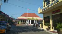 Jajaran Polda Jabar turun tangan dalam proses penyelidikan peristiwa penyerangan anggota Polresta Cirebon. Foto (Liputan6.com / Panji Prayitno)