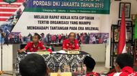 Ketua Umum Pordasi DKI, Alex Asmasoebrata (kanan) saat memimpin rapat kerja (istimewa)