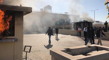 Demonstran Irak Serbu Kedutaan Besar AS
