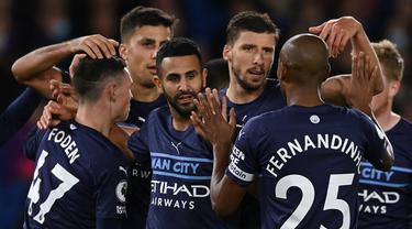 Manchester City berhasil memenangi lawatannya ke markas Brighton and Hove Albion dalam laga pekan ke-9 Liga Inggris 2021/2022, Sabtu (23/10/2021). Menang 4-1, The Citizens yang kini mengoleksi 20 poin sementara menggusur Liverpool dari posisi runner-up. (AFP/Glyn Kirk)