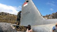 Puing pesawat Hercules TNI yang jatuh di Wamena