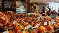 Koper bagasi siap dibagikan kepada jemaah haji di hotel. Foto: Darmawan/MCH
