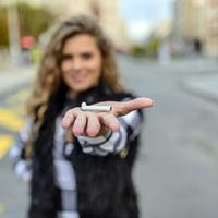 Mana Lebih Bahaya, Asap Kendaraan atau Asap Rokok? (Marcosphoto/shutterstock)