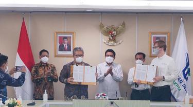 Pertamina Rosneft menggandeng PT Kereta Api Indonesia (KAI) merevitalisasi jalur kereta zaman Belanda. (Dok Pertamina Rosneft)