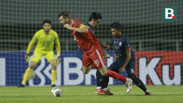 Foto: Tensi Tinggi Kala Arema FC Berhadapan Dengan PSM Makassar di Ajang BRI Liga 1