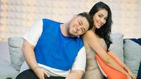 Beredar kabar hubungan Ivan Gunawan dengan model asal Thailand Faye Malisorn telah berakhir. Kabar itu mencuat setelah foto-foto kemesraannya dengan Faye lenyap di akun instagram Ivan. (instagram/ivan_gunawan)
