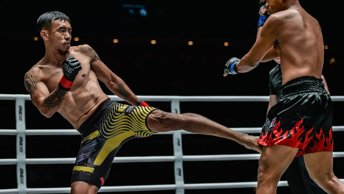 "Rudy ""The Golden Boy"" Agustian (do One Championship)"