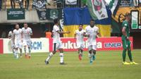 Selebrasi gol yang dirayakan para pemain Madura United ke gawang PSS Sleman. (Bola.com/Vincentius Atmaja)