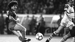 2. Diego Maradona (AFP/Joel Robine)