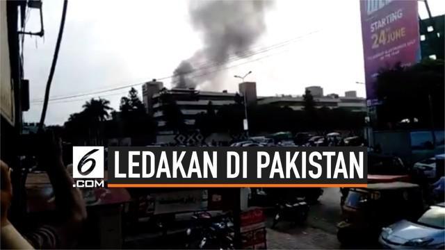 Warga Rawalpindi Pakistan dikejutkan ledakan kuat yang berasal dari Rumah Sakit Militer Pakistan. Ledakan hancurkan sebagian bangunan rumah sakit.