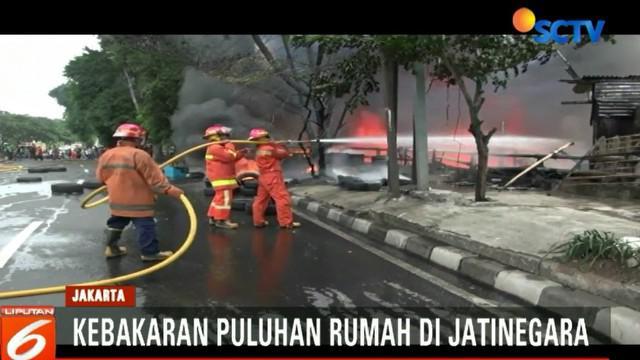 Puluhan Rumah di Jatinegara terbakar, ruas jalan menuju Pondok Bambu dan arah sebaliknya ditutup.