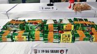 Barang bukti narkoba dari Malaysia berupa 19 kilogram sabu sitaan Polda Riau. (Liputan6.com/M Syukur)