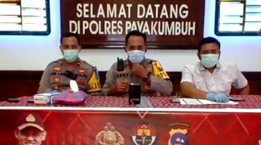 Polres Payakumbuh menangkap seorang proa yang menulis komentar ujaran kebencian di facebook.