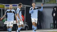 Pemain Lazio, Joaquin Correa, mencetak gol ke gawang Club Brugge pada matchday 6 Liga Champions Grup F. (AP Photo/Andrew Medichini)