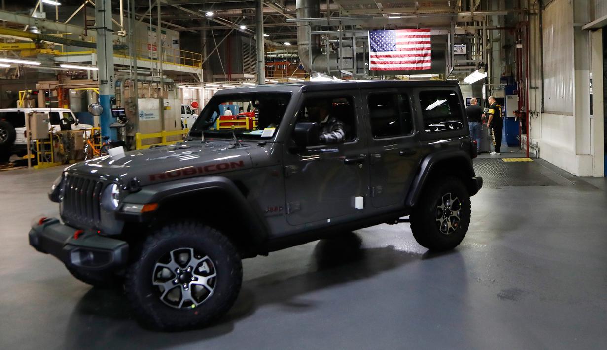 600 Koleksi Foto Gambar Mobil Jeep Gratis