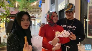 Potret kedekatan Lina dengan keluarga