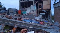 Pencarian dan penyelamatan korban gempa di Mamuju dan Majene, Sulbar masih terus dilakukan. (Foto: Liputan6.com/Abdul Rajab Umar)