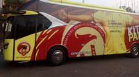 Peluncuran dan penyerahan bus baru dari Pemprov Sumsel ke managemen Sriwijaya FC (Liputan6.com / Nefri Inge)