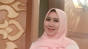 Aktivis Perempuan Surabaya Lia Istifhama. (Foto : istimewa)