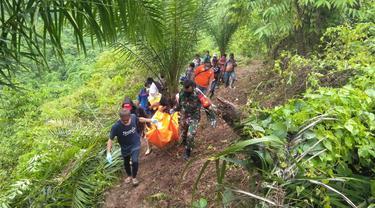 Menghilang 14 Hari, Mayat Nenek 75 Tahun Ditemukan di Perkebunan Sawit (Arfandi Ibrahim/Liputan6.com)