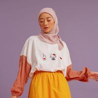 Melihat koleksi brand busana muslim Hijabchic dengan Hello Kitty. Dok. Hijabchic
