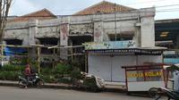 Pabrik cokelat Ceres di jalan Cimanuk, Garut, Jawa Barat, nampak kumuh dibiarkan tanpa perawatan sejak lama (Liputan6.com/Jayadi Supriadin)