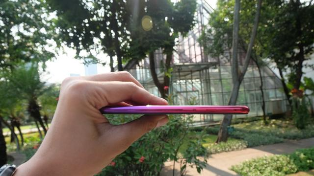 Oppo F9 Sunsrise Red