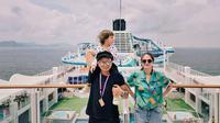 Ringgo Agus bersama Sabai Morscheck dan Bjorka di Kapal Dream Crusia Line (dok.Instagram@ringgoagus/https://www.instagram.com/p/Bz40RhOgmOE/Devita Nur Azizah