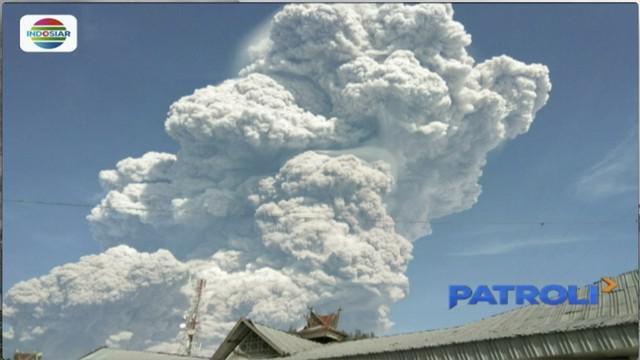 Sekitar pukul 09.00 WIB, Gunung Sunabung di Kabupaten Karo, Sumatera Utara, kembali meletus. Setidaknya ada enam letusan dengan tinggi kolom 5 ribu meter.