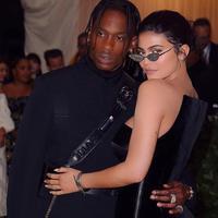 Travis Scott sendiri selalu mengatakan bahwa dirinya beruntung bisa bersama dengan Kylie Jenner. (instagram/kyliejenner)