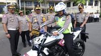 Yamaha MT-25 jadi motor dinas terbaru Ipda Tatang setelah motor sebelumnya ia gunakan untuk mengganjal truk mogok. (Merdeka.com)