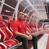 Ketua umum PSSI, Mochamad Iriawan, saat melakukan inspeksi ke Stadion Utama Gelora Bung Karno (SUGBK), Jakarta, Jumat (6/3/2020). Inspeksi tersebut untuk mengecek kesiapan SUGBK menjadi venue Piala Dunia U-20 2021. (Bola.com/Benediktus Gerendo Pradigdo)