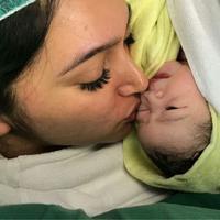 Kabar bahagia dari pasangan artis Nabila Syakieb. Suami dari Reshwara Argya Ardinal itu melahirkan anak pertama buah cinta pada Selasa (6/2/2018) malam. (Instagram/nabilerz)