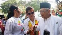 Cawapres nomor urut 1 Ma'ruf Amin menghadiri deklarasi dukungan dari Perempuan Indonesia untuk Joko Widodo-KH Ma'ruf Amin (P-IJMA) di Rumah Aspirasi, Jakarta, Sabtu (22/9). P-IJMA mendukung Jokowi-Ma'ruf di Pilpres 2019. (Liputan6.com/Herman Zakharia)