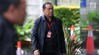 Ketua Komisi III DPR Kahar Muzakir tiba di Gedung KPK, Jakarta, Selasa (12/2). Selain Kahar, penyidik KPK juga akan memeriksa anggota DPR Fraksi PAN Ahmad Riski Sadig dan anggota DPR Fraksi PDIP Said Abdullah. (Liputan6.com/Angga Yuniar)