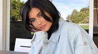 Kylie Jenner sendiri sudah merasa lega karena pada akhirnya bisa mengatakan pada dunia apa yang sudah ia sembunyikan selama ini. (instagram/kyliejenner)