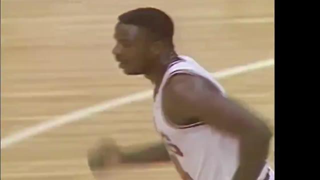 Berita Video Tonton Lagi Aksi - Aksi Legendaris Michael Jordan saat Menghadapi Detroit Pistons di NBA