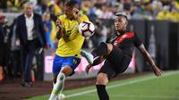 Timnas Brasil saat meladeni Peru di California, Amerika Serikat dalam laga persahabatan (AFP/Mark Ralston)