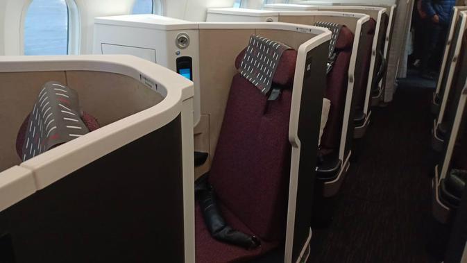 Kursi di kelas bisnis Japan Airlines. (Liputan6.com/ Mevi Linawati)