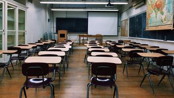Sekolah Terkenal di Chicago Jadi Lokasi Penyebaran COVID-19, 245 Kasus Ditemukan