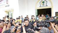 Bobby Afif Nasution, menantu Presiden Joko Widodo atau Jokowi ini mendapat nomor urut 2 untuk diwawancarai panelis yang terdiri dari Tim Pilkada Golkar Sumut dan akademisi dari FISIP USU.