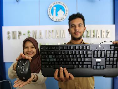 Logitech Indonesia Menyerahkan Bantuan Peralatan Gaming
