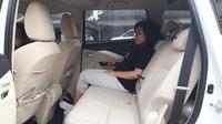 Duduk di bangku baris kedua Mitsubishi Xpander. (Yurike/Liputan6.com)