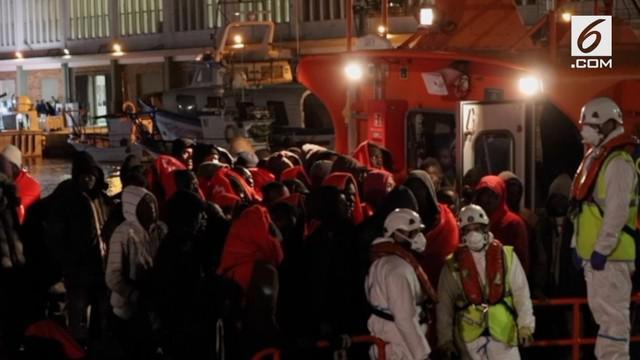 Pelaut di Spanyol menyelamatkan ratusan imigran yang ada di laut Mediterania.