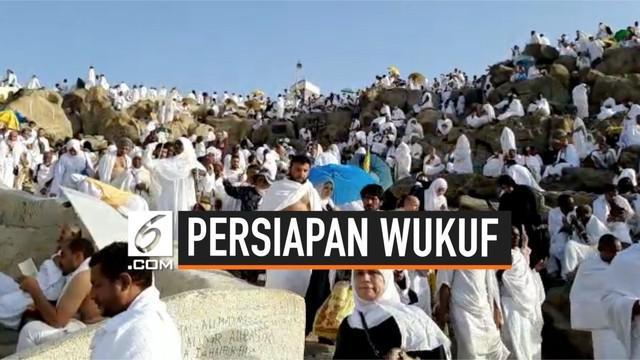 Jemaah haji Indonesia sudah berada di Arafah. Mereka bersiap untuk melaksanakan rangkaian ibadah haji wukuf.