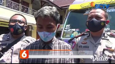 Video viral aksi sopir truk yang tengah berkendara secara ugal-ugalan di kawasan Jalan Raya Candipuro, Lumajang, Jawa Timur. Dalam video berdurasi 30 menit tersebut, sang sopir tampak sengaja mengemudikan truk secara ugal-ugalan.