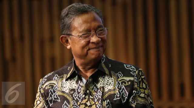 Menteri Koordinator Perekonomian, Darmin Nasution saat menjadi pembicara dalam acara Bincang Ekonomi di Liputan6.com di SCTV Tower, Jakarta, Kamis (2/3). (Liputan6.com/Fatkhur Rozaq)