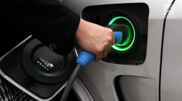 PHOTO: Dukung Program Pemerintah, Ini Mobil Listrik BMW Ramah Lingkungan